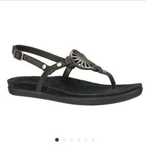 UGG Ayden thong sandals shoes